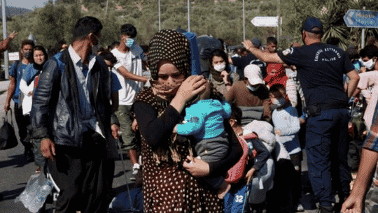 Zece state UE se angajează să primească 400 de minori neînsoţiţi evacuaţi de pe Insula Lesbos în urma incendiului care a distrus tabăra de la Moria