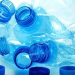 """Enzima care mănâncă plastic: """"Devorează"""" un PET în câteva zile"""