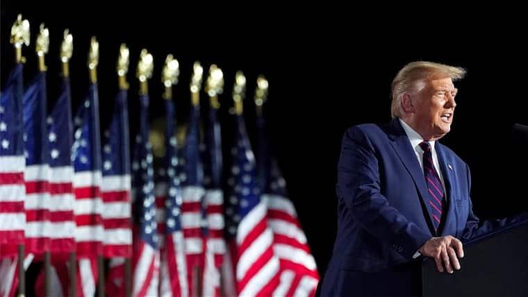 Trump a reușit să declanșeze un război comercial între SUA și China. Acum a recunoscut că are un cont deschis la o bancă din această țară