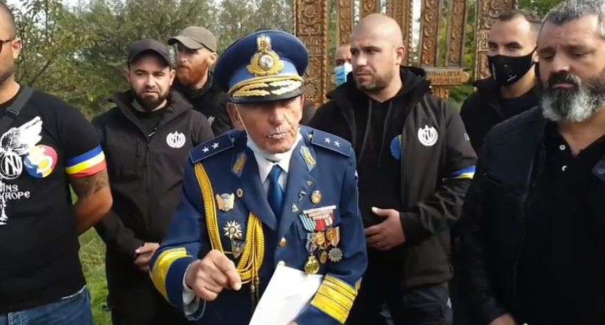 Generalul Radu Theodoru, îndemn pentru români de Ziua Armatei: Nu permiteți să fie pângărit și maghiarizat Cimitirul de la Valea Uzului