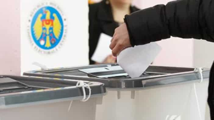 Avertisment de la Chișinău: Există suspiciuni privind falsificarea cererilor de înregistrare pentru deschiderea secțiilor de votare în Rusia
