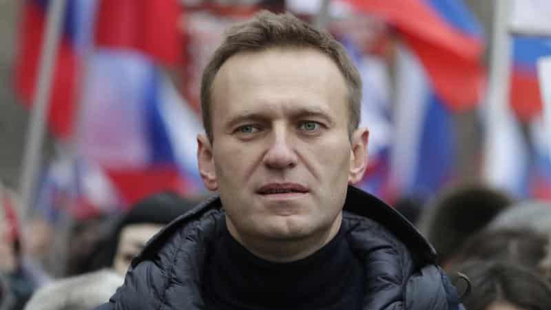 [FOTO] Navalnîi se poate deplasa singur. Principalul oponent al lui Putin nu și-a pierdut simțul umorului