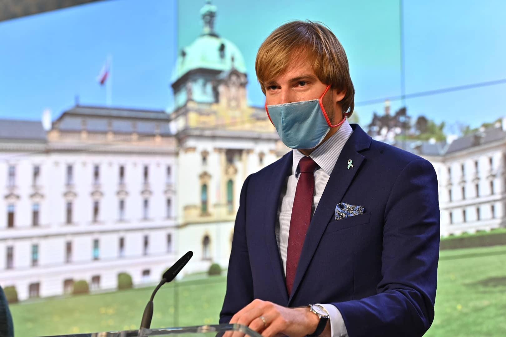 Ministrul ceh al sănătății a demisionat pe fondul creşterii numărului de infectări cu coronavirus