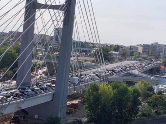 Când un pod(CIUREL) nu duce nicăieri, normal că este aglomerat