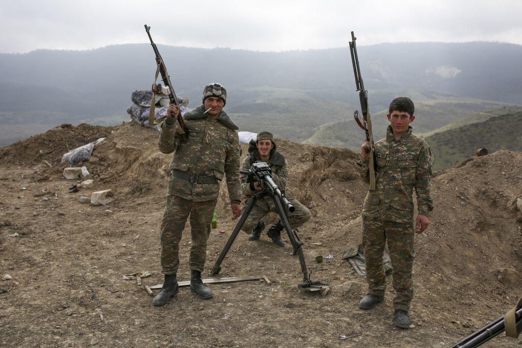 Conflictul din Nagorno-Karabakh a izbucnit și riscă să declanșeze un război