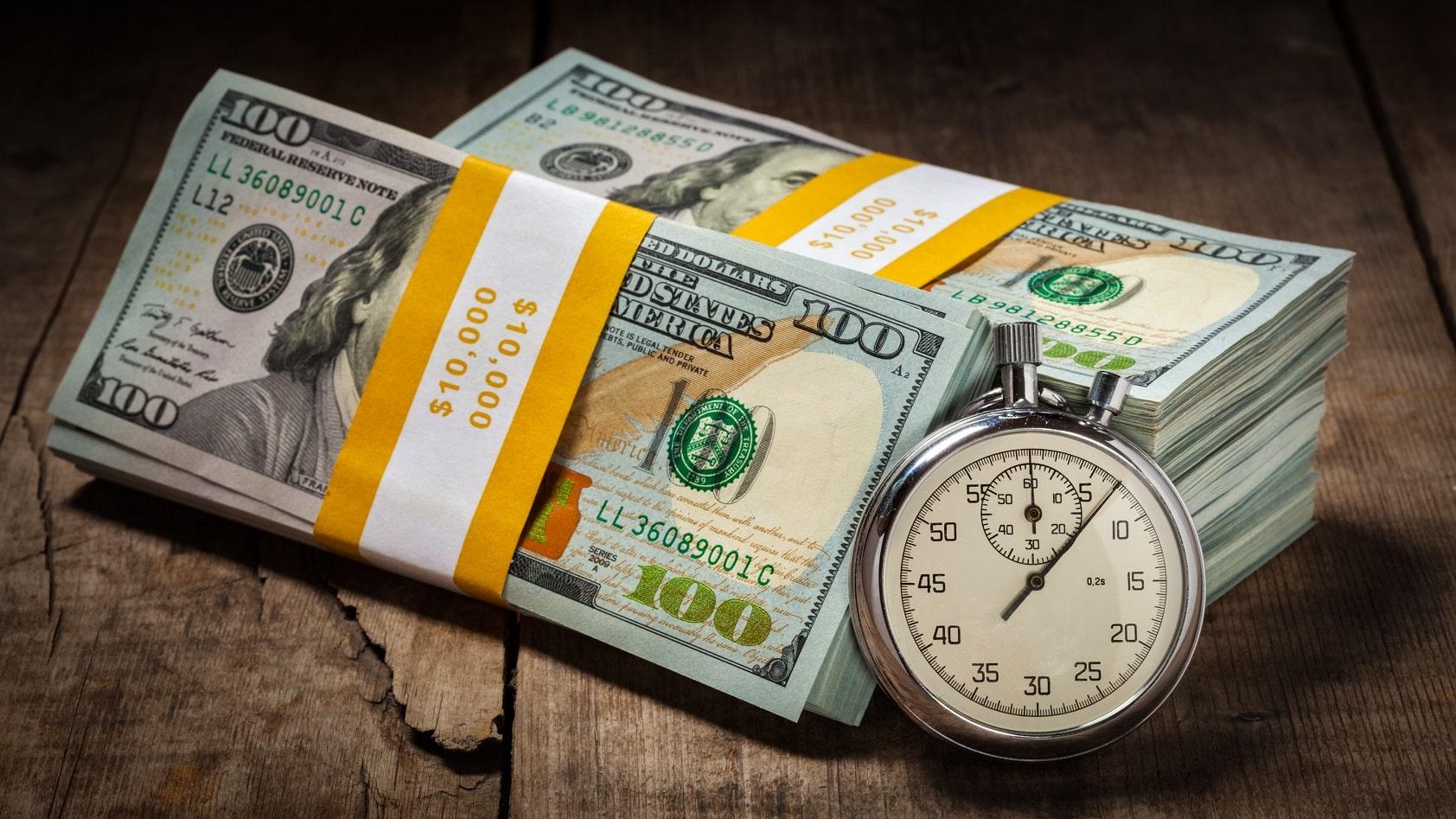 Guvernul liberal s-a împrumutat cu 1000 de euro pe secundă. A luat în 10 luni cât PSD în 5 ani