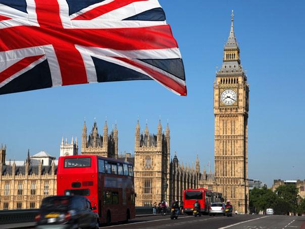 Românii nu vor putea să mai intre în Marea Britanie în baza cărţilor de identitate