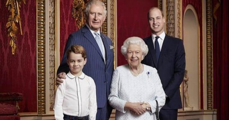 Regina Elisabeta îndemnată să lase poporul să aleagă cine să fie rege: William sau tatăl lui, Charles