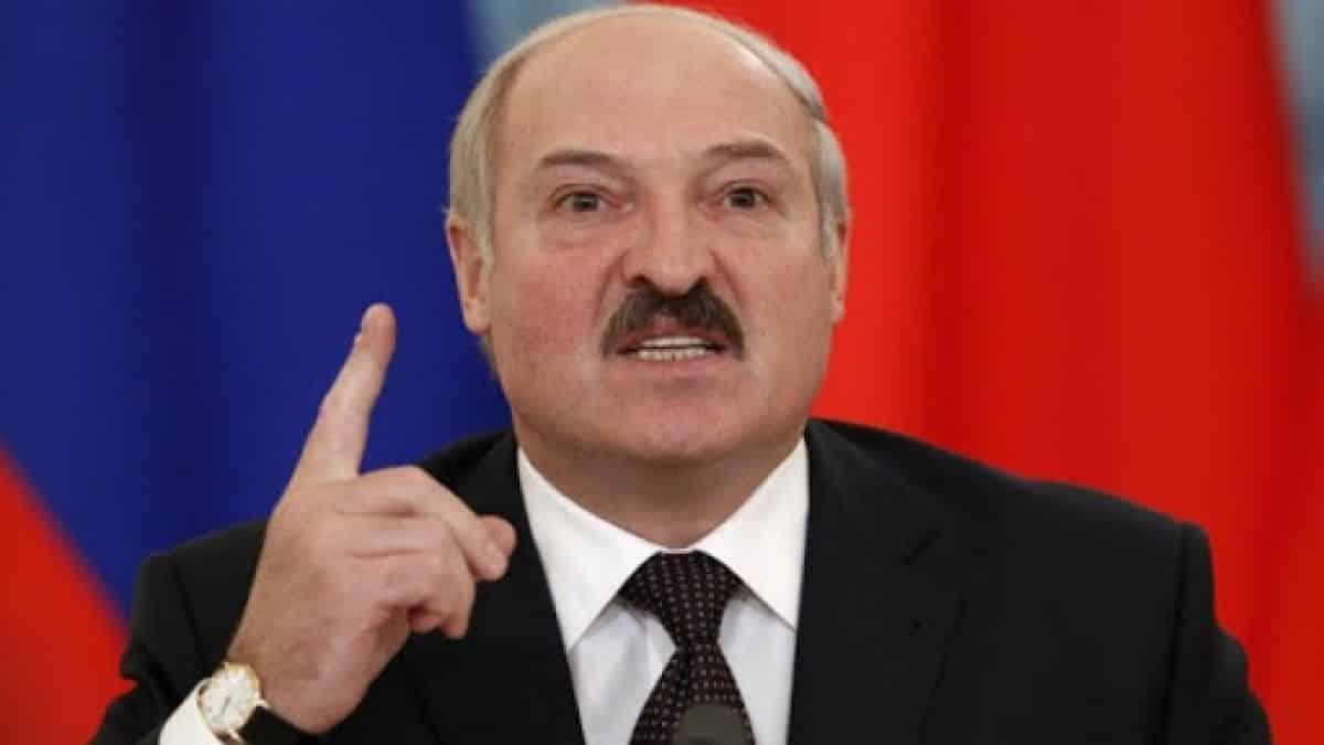 Președintele contestat al Belarusului spune că protestatarii vor fi tratați ca terorişti