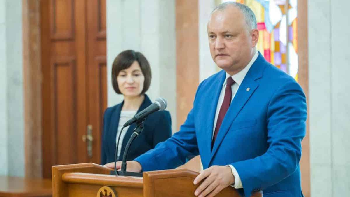 """Lider politic de la Chișinău, după atacul la adresa Maiei Sandu: """"Dodon, tu – porumbel? Cine se bălăcește în glod, nu poate zbura!"""""""