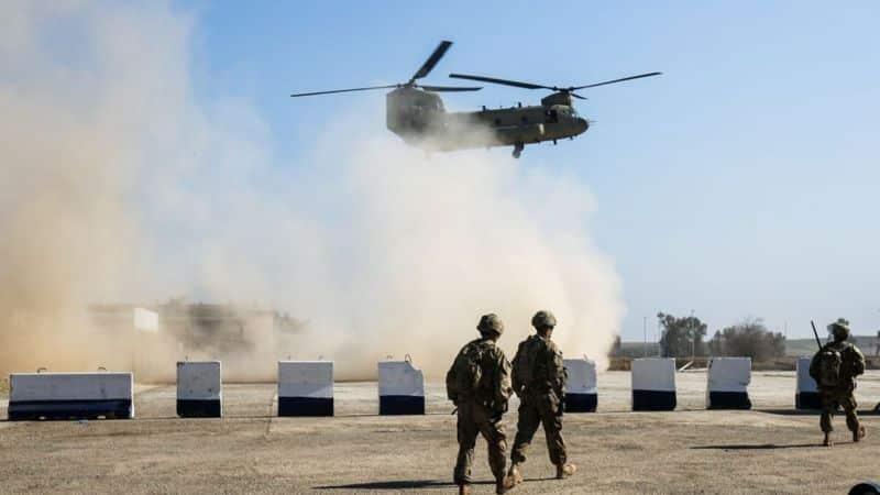 Trump a retras 2 500 de soldați din Afganistan