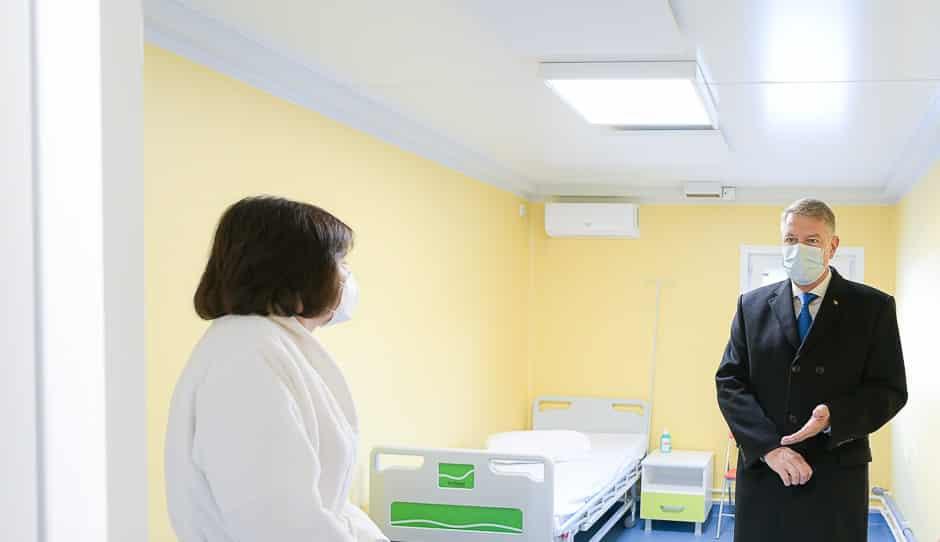 """Iohannis apare, virusul dispare. Sărbătorirea Crăciunului – """"imposibilă"""", Alegerile – """"fără îngrădiri"""""""
