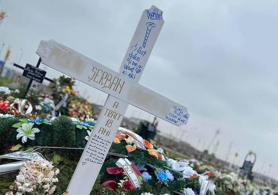 Iubire frântă: Accidentul mortal de tren de săptămâna trecută are în prim plan o tânără care își pierduse recent iubitul