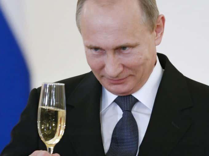 Kremlinul salută votarea în Parlamentul de la Chişinău a legii privind statutul special al limbii ruse ~ InfoPrut