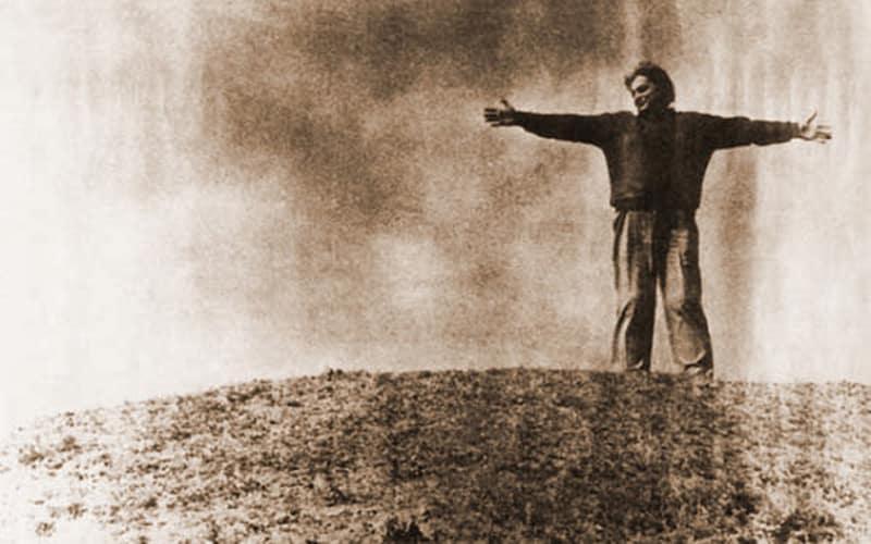 """Nichita: """"Nu credeam să-nvăț a muri vreodată"""" – cel mai frumos vers care s-a scris vreodată în limba română. Profesorul Pavel Chirilă, de gardă la moartea lui Nichita Stănescu (+13 decembrie 1983). Mărturia sorei Poetului – VIDEO"""