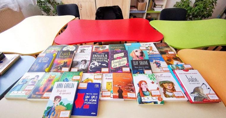 Libris.ro și Salvați Copiii România vor să doteze 350 de școli și licee din România cu o bibliotecă atractivă în următorii 5 ani