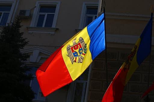 """Protest inedit în R. Moldova: 2 minute de """"întuneric"""""""
