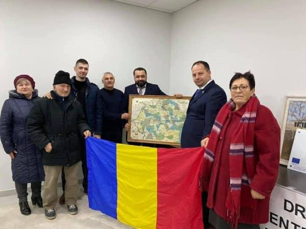 Parlamentari ai României, în vizită la gimnaziul românesc din Aluatu, Taraclia ~ InfoPrut