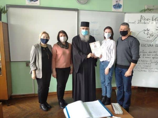 Episcopia de Bălți, prin Patriarhia Română, oferă burse pentru elevii din R. Moldova ~ InfoPrut