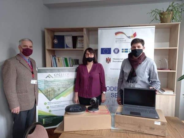 Agenția de Cooperare Internațională a Germaniei donează laptopuri și camere video unei universități din R. Moldova ~ InfoPrut
