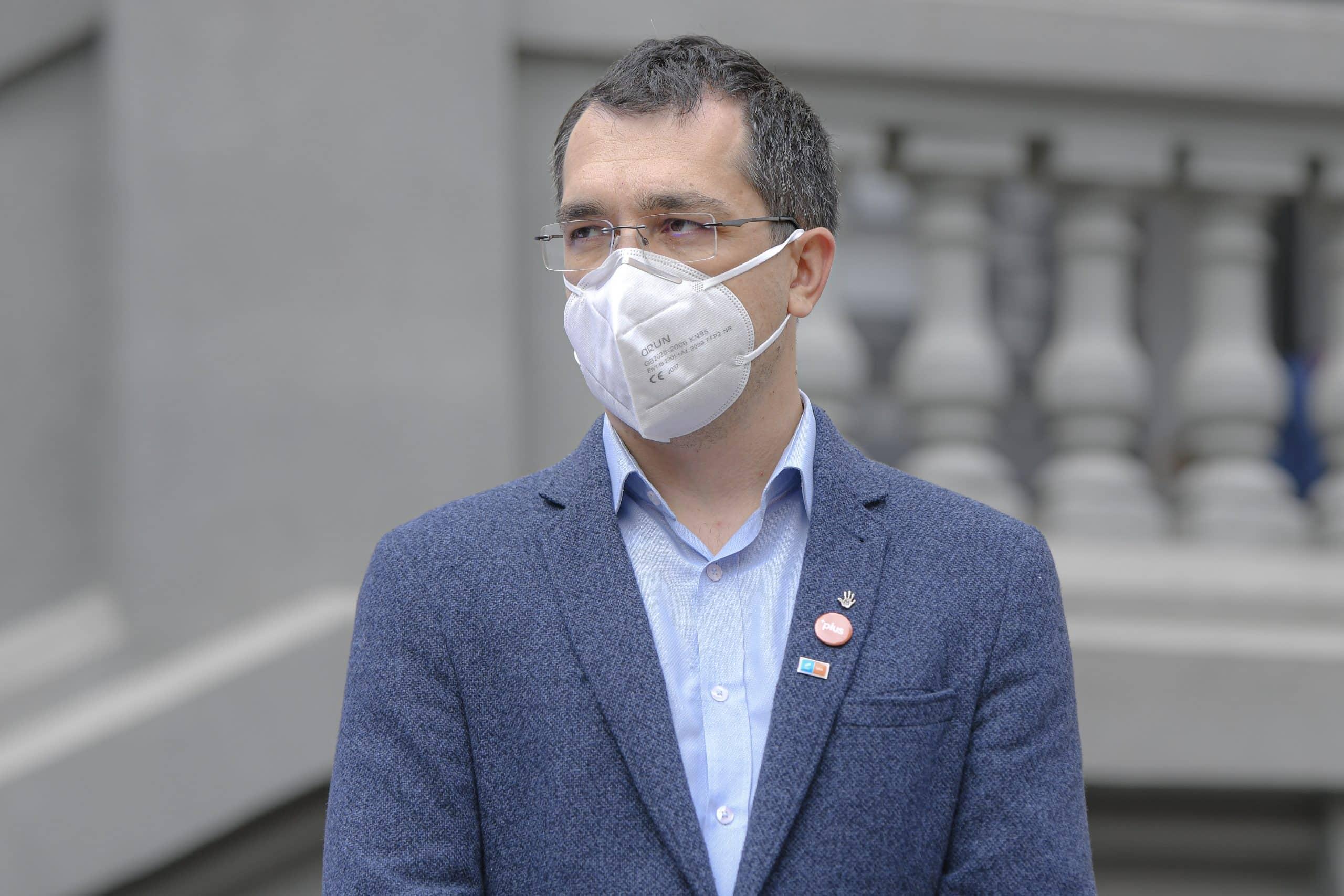 Alo.., Voiculescu, Cîțu, Gheorghiță: Germania suspendă vaccinarea cu AstraZeneca