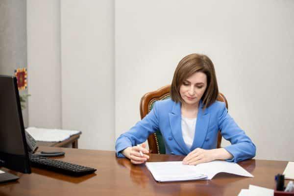 Maia Sandu, despre salariul pe care îl încasează: Față de o pensie, e mare, față de salariul altor funcționari, e mic