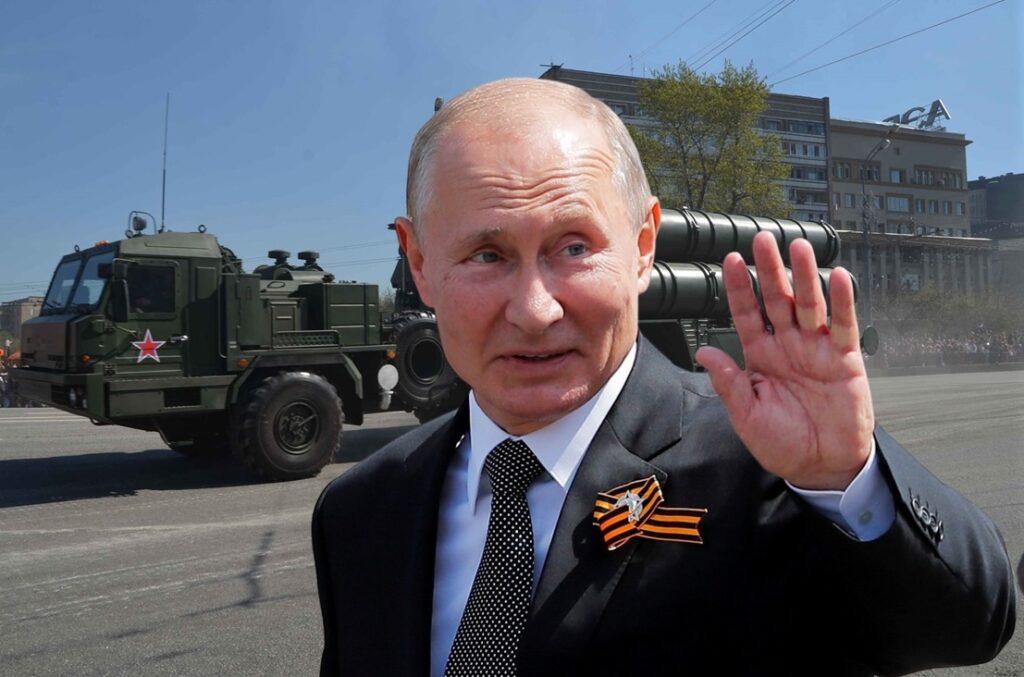 Putin mută arme nucleare în Crimeea