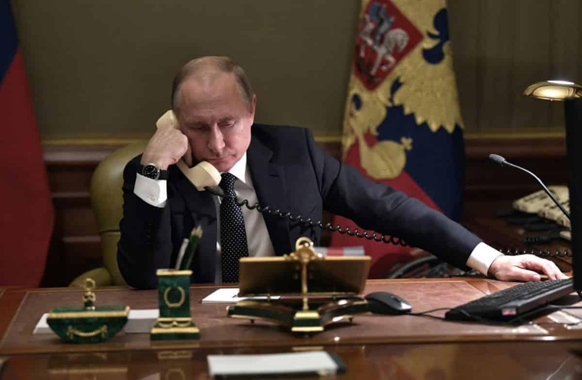 Putin, învins: Trupele rusești se retrag de la frontiera Ucrainei