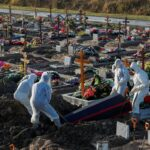 FOTO: Rusia a înregistrat un exces de peste 400.000 de decese din cauza COVID-19