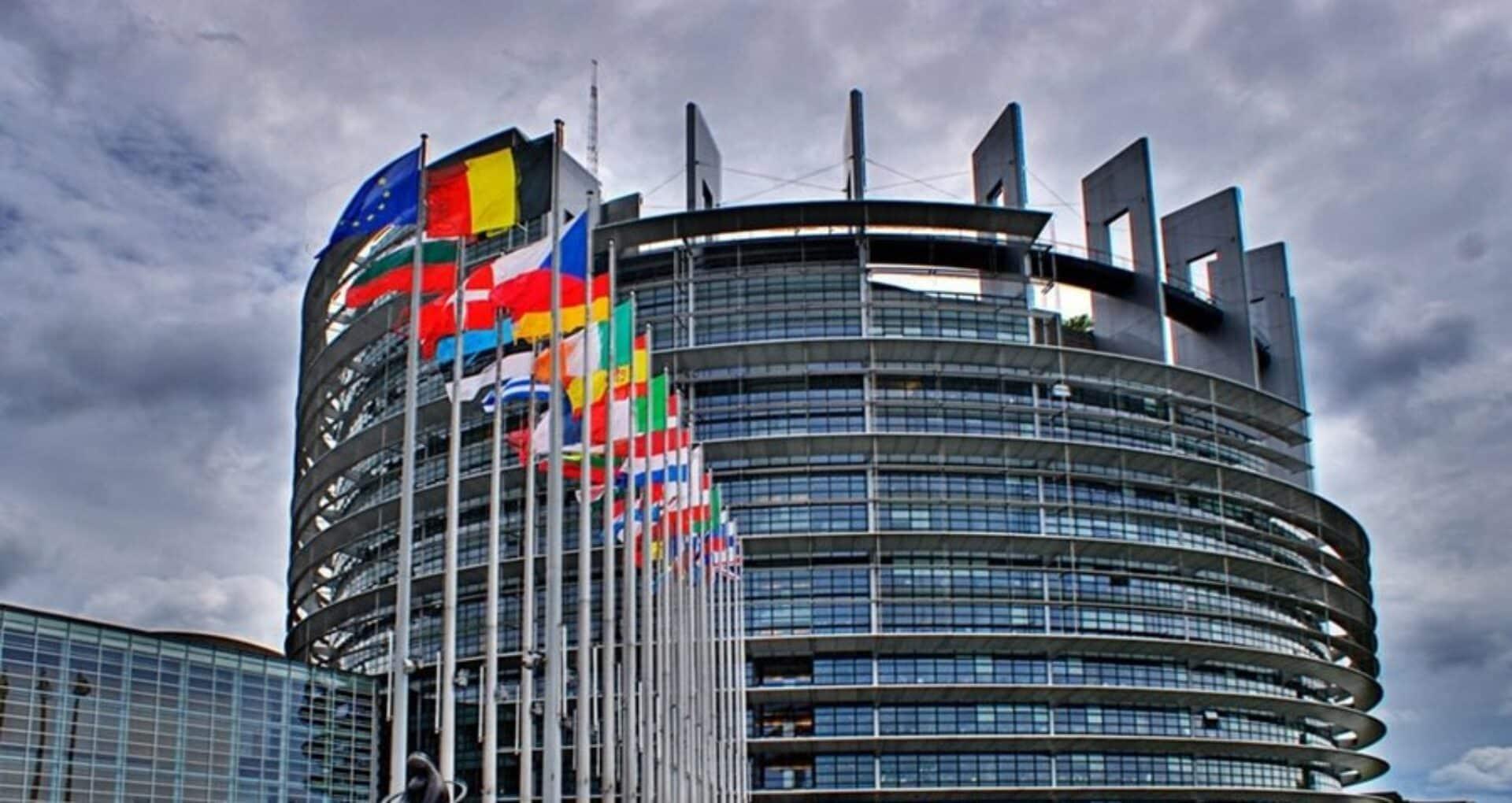 Parlamentul European a cerut Comisiei Europene mai multe informaţii despre PNRR-uri