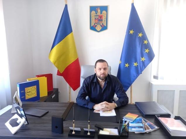 Frați moldoveni, frații noștri de AUR, marea, munții, Delta, sunt și ai voștri! – CRITICII.RO