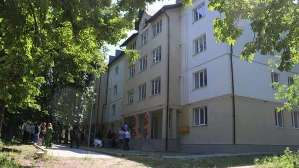 Clădire de locuințe destinate familiilor cu mulți copii din Cahul, construită cu ajutor european ~ InfoPrut