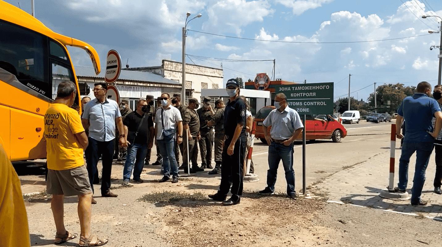 sunt înțeleși cu politicienii moldoveni – CRITICII.RO
