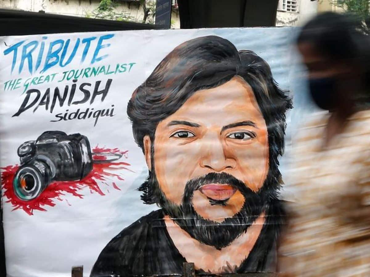 Fotoreporter Reuters, câștigător al Premiului Pulitzer, ucis în Afganistan într-o ambuscadă a talibanilor