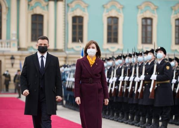 """Pod peste Nistru, dorința """"fierbinte"""" a președinților R. Moldova și Ucrainei"""