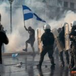 VIDEO: Un protest anti-vaccinare obligatorie din Grecia s-a lăsat cu violențe și arestări