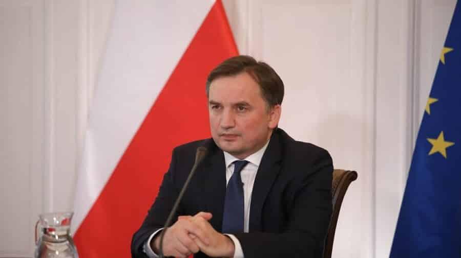 Polonia amenință că va ieși din UE dacă va mai fi șantajată de CJUE