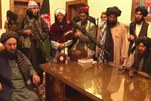 SUA s-a retras rușinos din Afganistan după sute de miliarde de dolari cheltuiți. Mai bine se făceau școli și spitale – CRITICII.RO