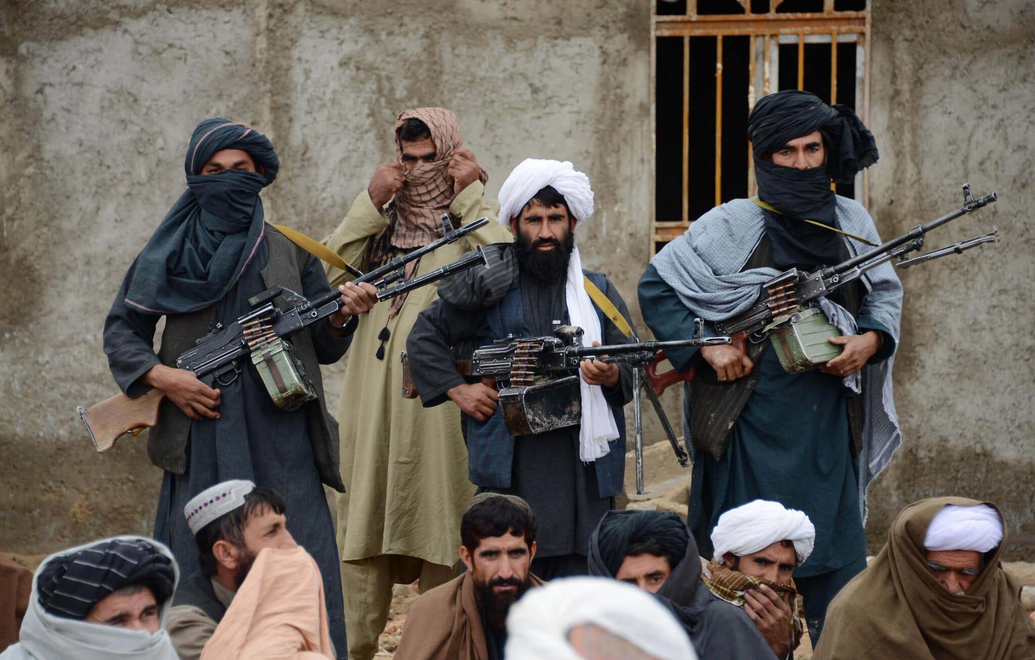 Serviciile secrete franceze: Talibanii se pot infiltra ușor printre refugiați