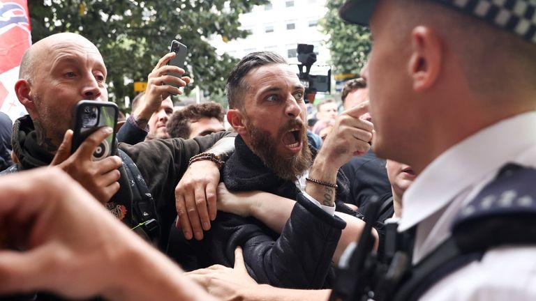 VIDEO: Violențe la protestele anti green pass la Londra