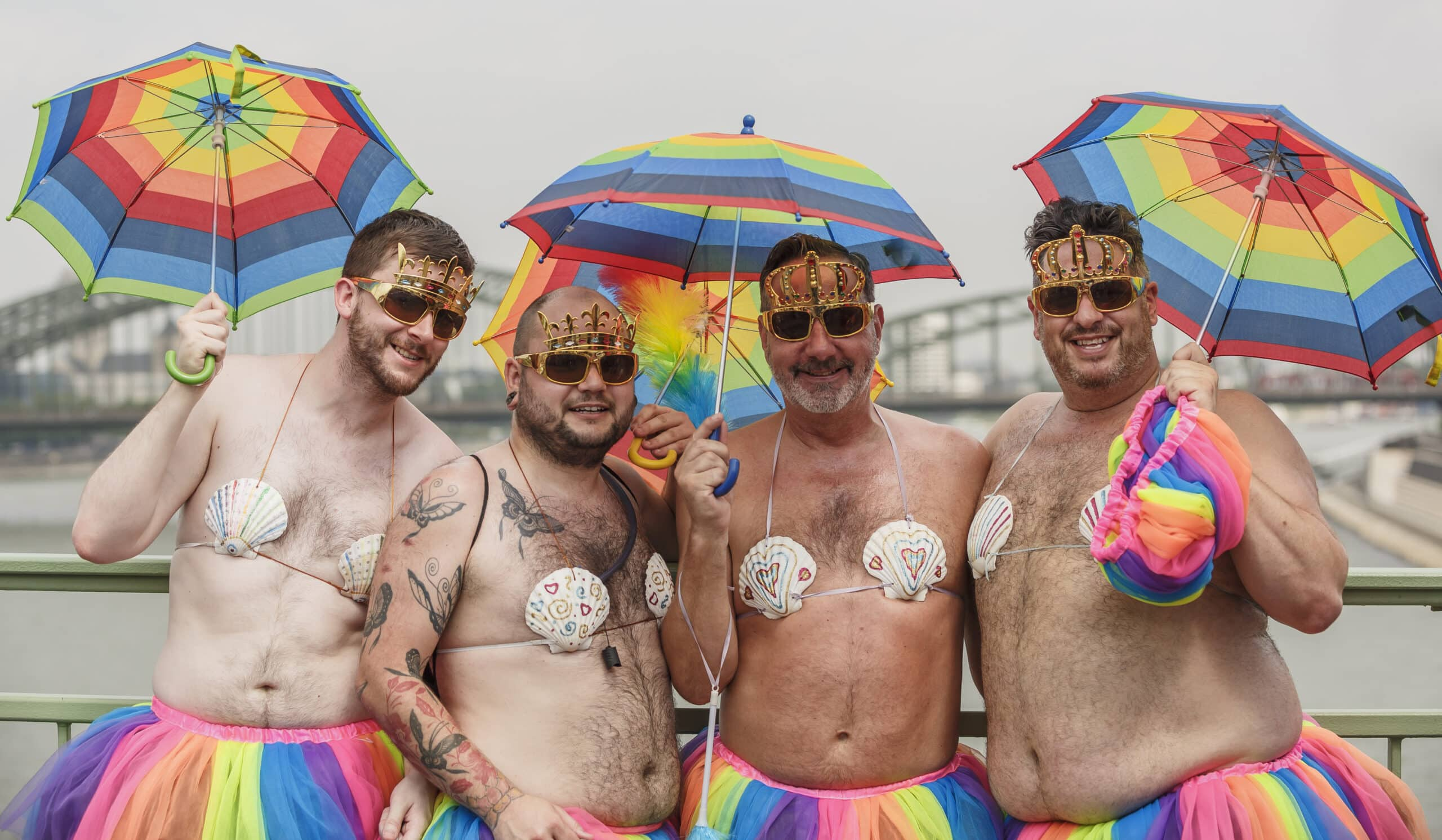 Grupul PPE din Parlamentul European vrea să impună României căsătoriile homosexuale