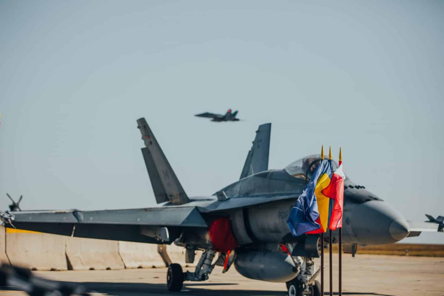 Şase avioane canadiene şi 140 de militari vor asigura misiunile de poliţie aeriană ale NATO în România şi Marea Neagră
