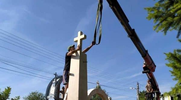 Un monument dedicat eroilor neamului românesc, reconstruit în R. Moldova cu sprijinul ASCOR Iaşi ~ InfoPrut
