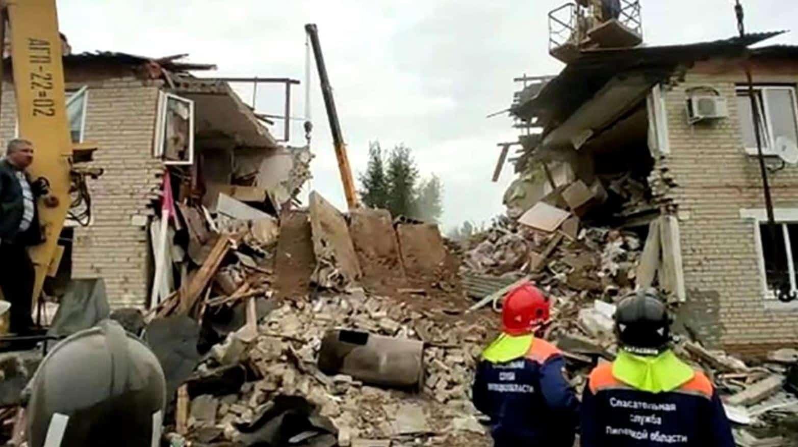 Trei oameni au murit, inclusiv un copil de 11 ani, după o explozie în Rusia