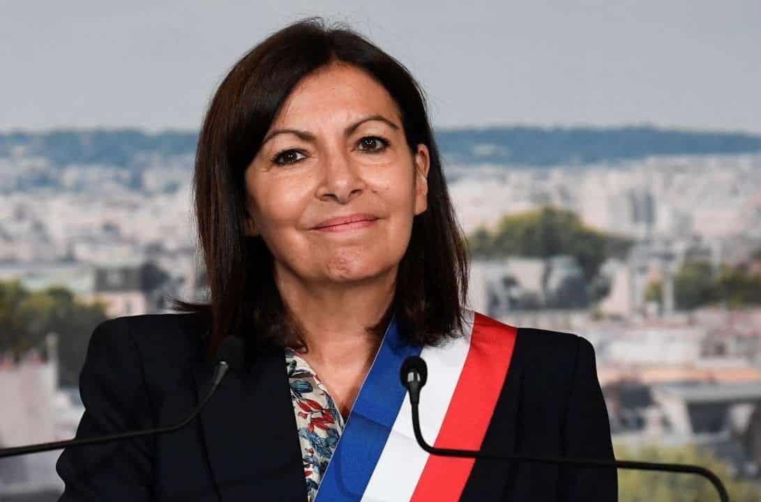 Anne Hidalgo, primarul Parisului, vrea să-l dea jos pe Emmanuel Macron