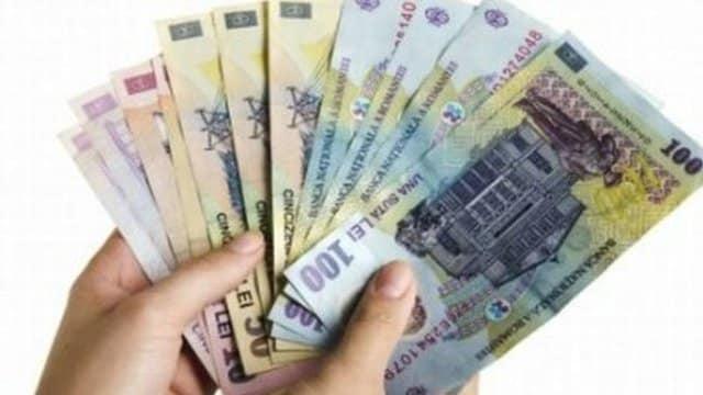 Lege promulgată de președintele Iohannis pentru subvenția de 500 lei/lună. Condiții, acte necesare!