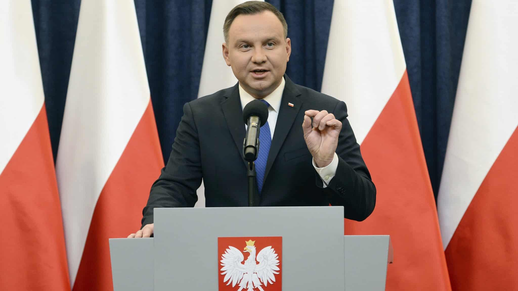 Război între Polonia și CE: Un comisar european vrea întâietatea dreptului european în fața Constituției – 60m.ro
