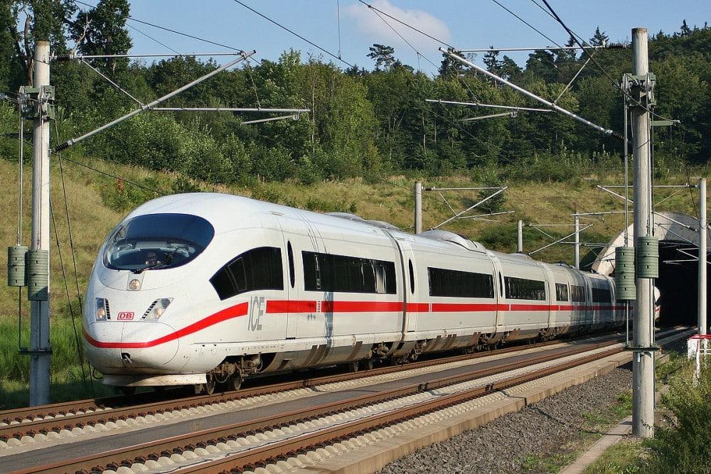Germania a testat cu succes primul tren fără conductor – 60m.ro